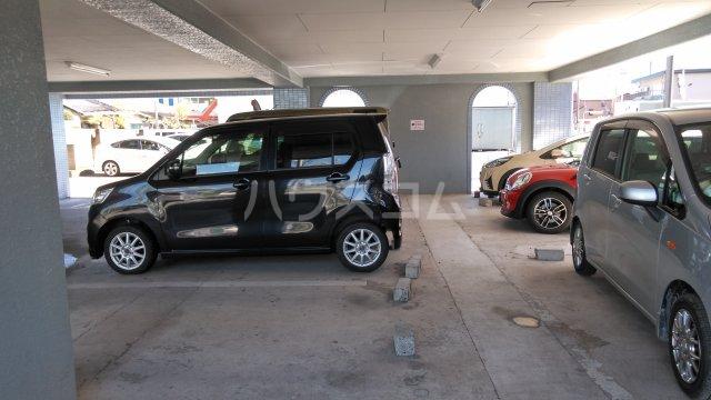 日建シェトワ-5 201号室の駐車場