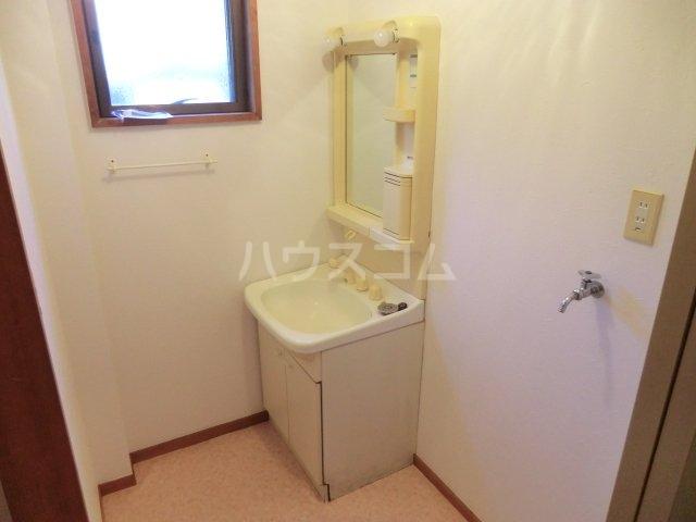 中宿レジデンスA棟 102号室の洗面所