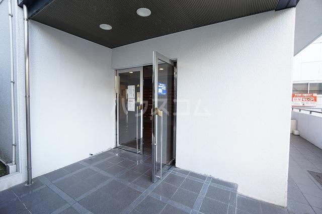 グランデール名古屋 501号室のエントランス