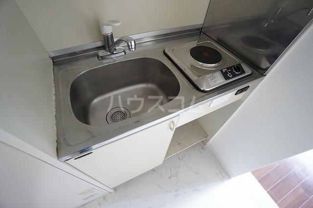 グランデール名古屋 501号室のキッチン