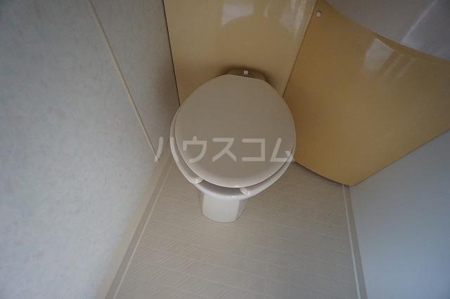グランデール名古屋 501号室のトイレ