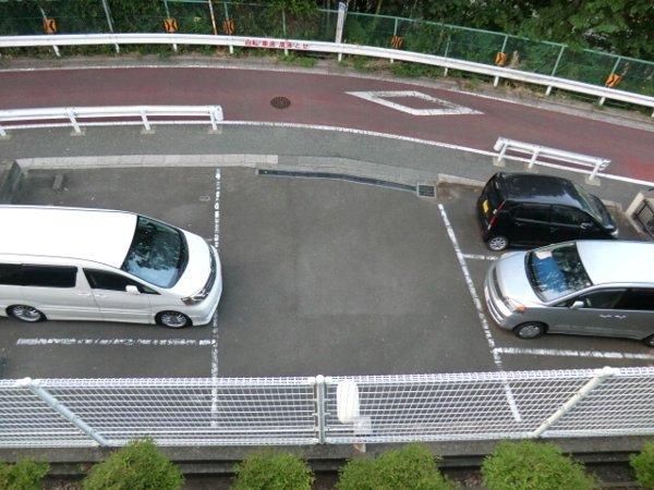 檜の森ハイツ 205号室の駐車場
