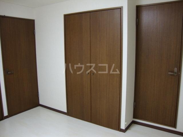 ラフィーネ中央台 201号室の洗面所