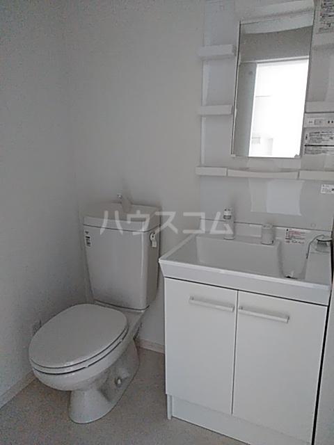 クレド橋本 302号室の洗面所