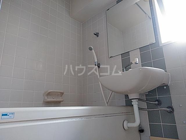 エ・スパシオ名西 701号室の風呂