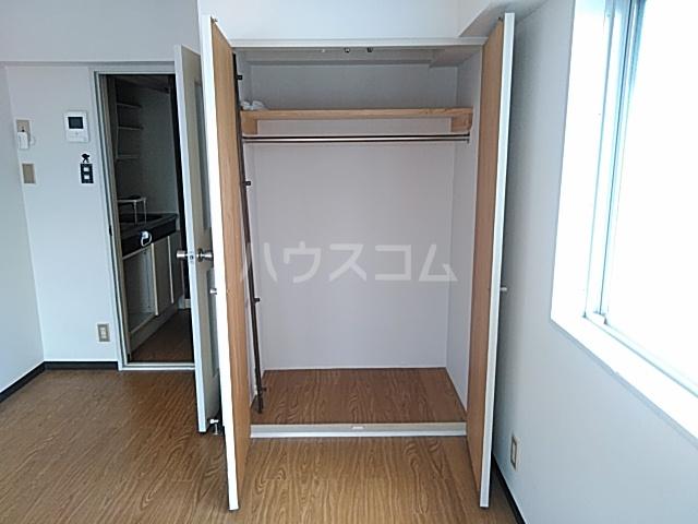 エ・スパシオ名西 701号室の収納