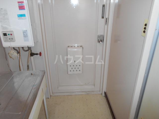 第3一水荘 103号室の玄関