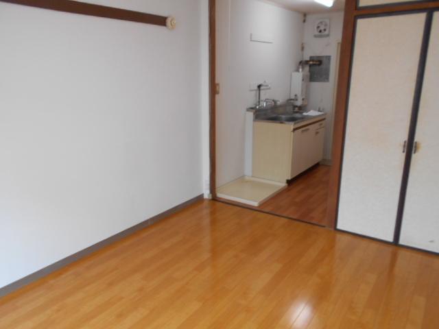 サンハイツクロダ 101号室の居室