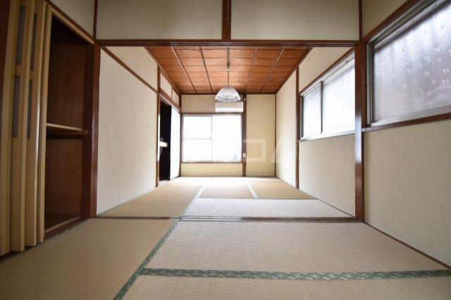 鈴蘭荘5号棟 28号室の居室