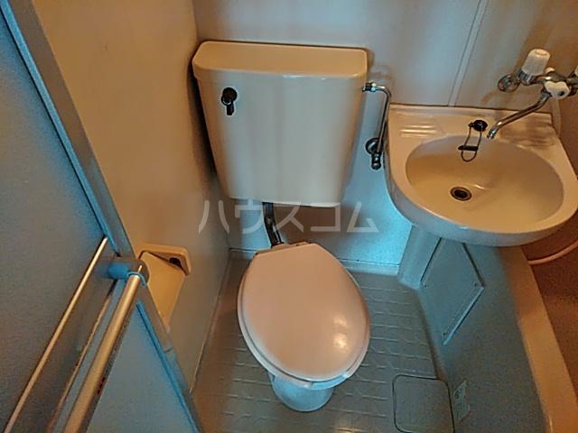 シオン八王子 905号室のトイレ