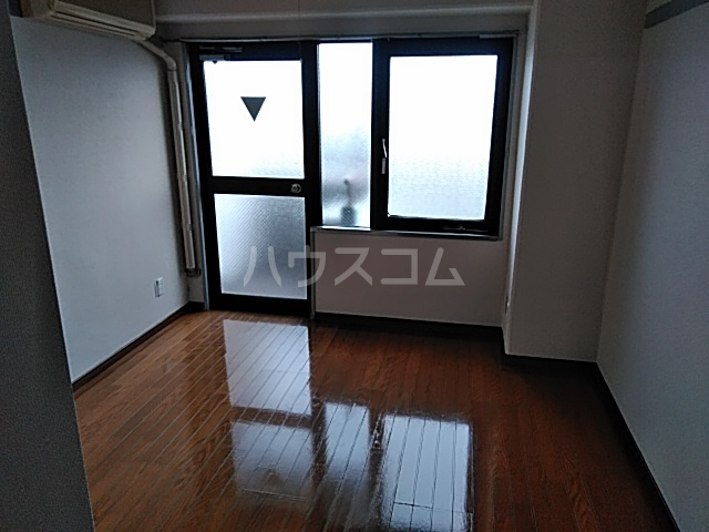 シオン八王子 502号室のリビング