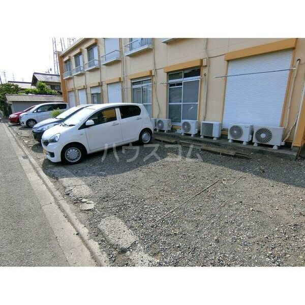 エステートピア原2 202号室の駐車場