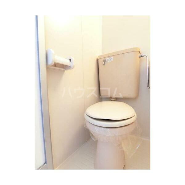 エステートピア原2 202号室のトイレ