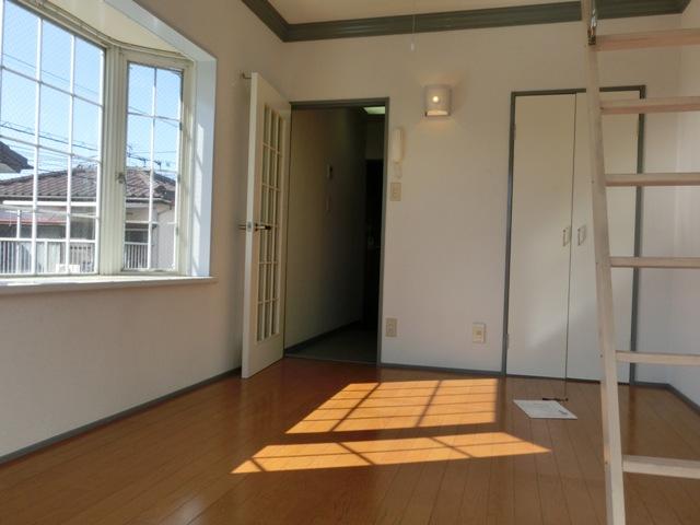寺尾サイトーレオハウス 202号室のリビング