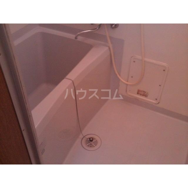 アムールナナ 201号室の風呂
