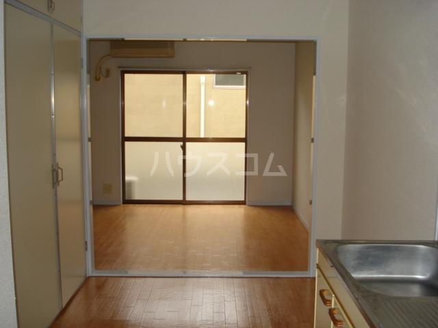 エルタウン中畑(L TOWN中畑) 00103号室のリビング
