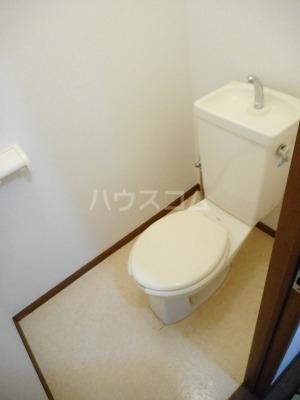 クレインコートハウス 02010号室のトイレ