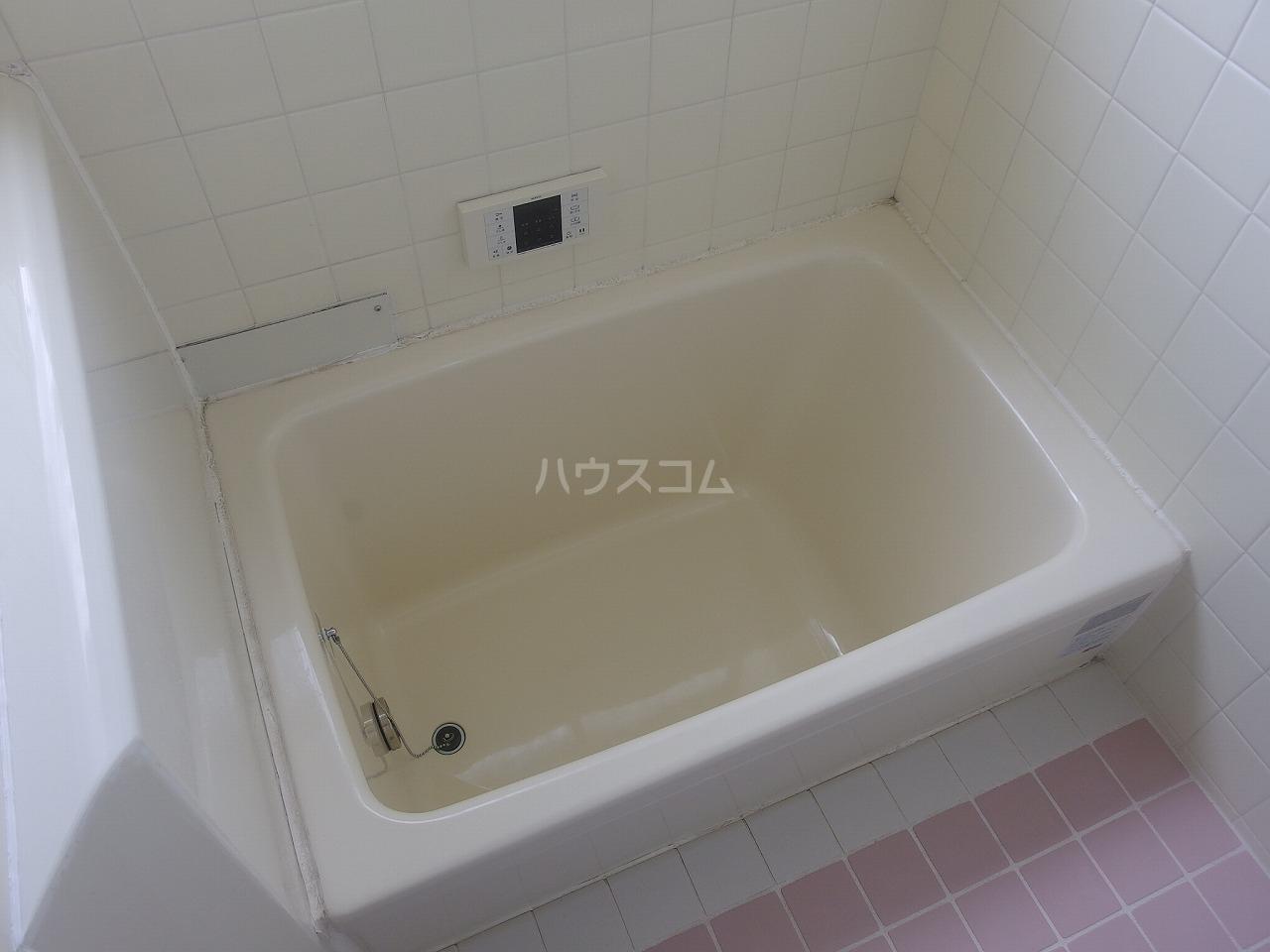 ガーデンビュー楡 1A号室の風呂