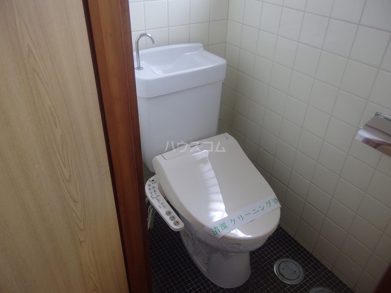 ガーデンビュー楡 1A号室のトイレ