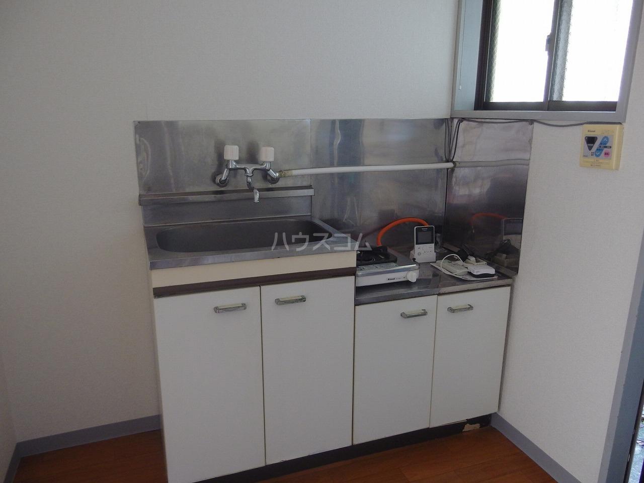 アーバンハイツ高幡 105号室のキッチン