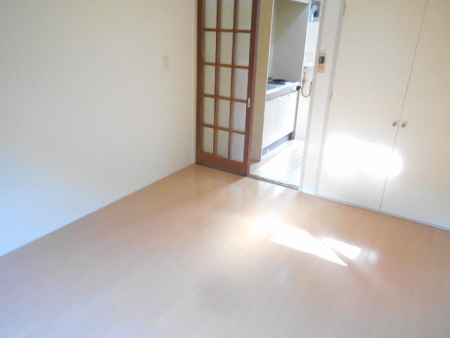 コーポナナオ 102号室の居室