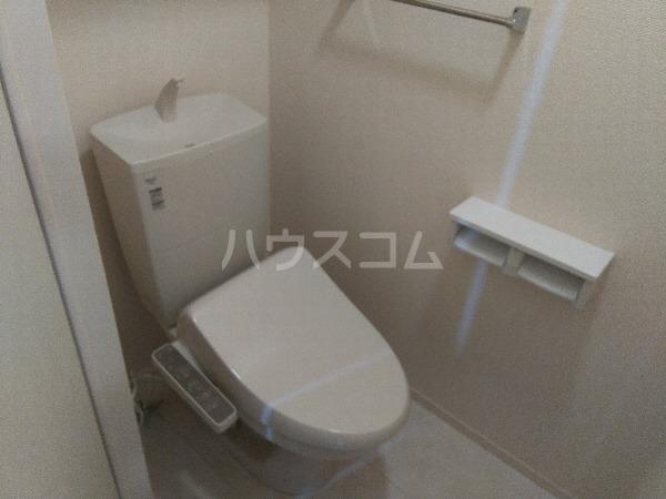 シャルムPeony 102号室のトイレ