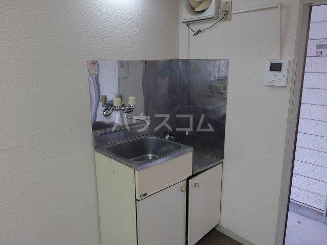ヴィラ桜ヶ丘 106号室のキッチン
