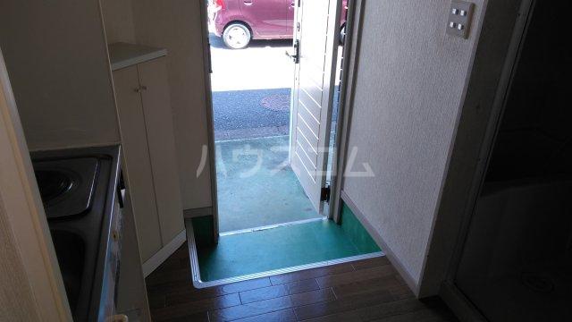 メゾンドタイガB棟 101号室の洗面所