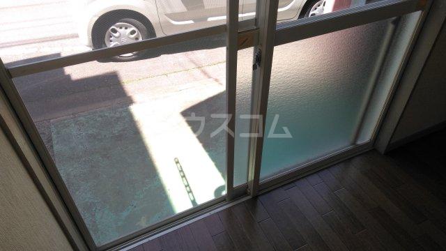 メゾンドタイガB棟 101号室の玄関