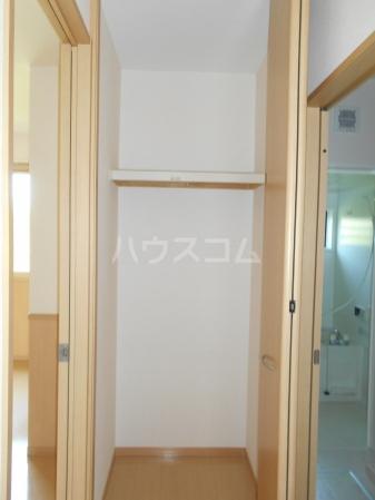 プラムズ・ヴィラ 103号室の収納