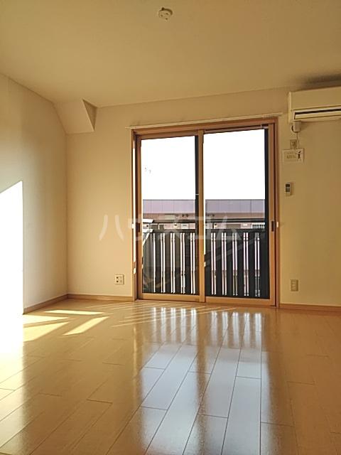 モナリエ穴橋 101号室の居室