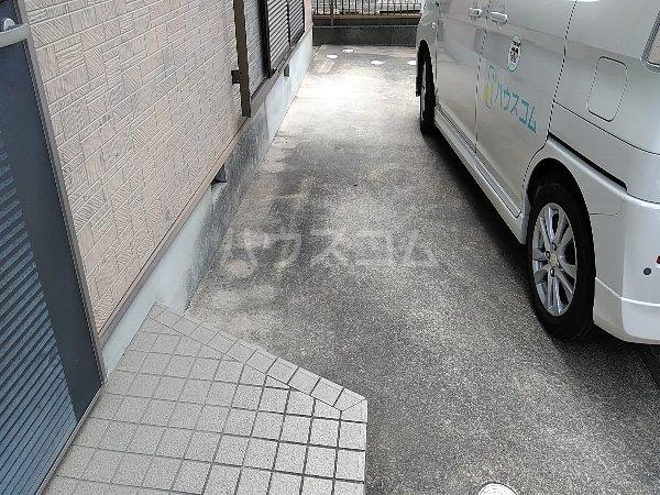 ウィンディボナール岩崎の駐車場