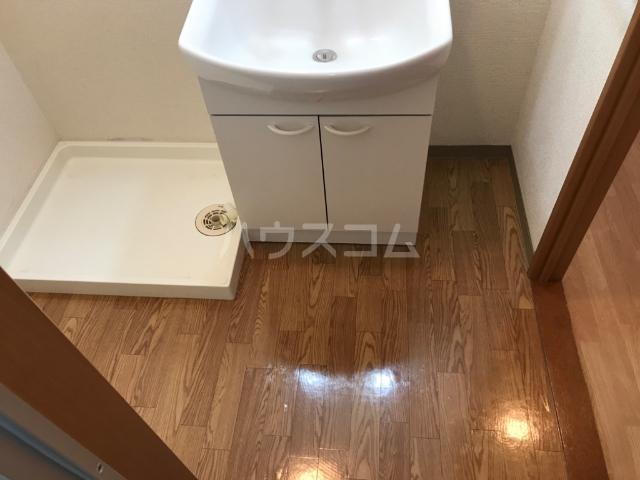 ウエストステージ 202号室の洗面所