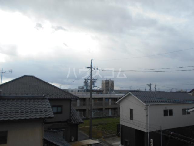 第1サンハイツ戸崎 303号室の景色
