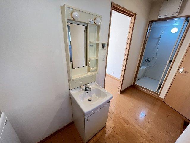 トリコロール・ピエテ 201号室のトイレ