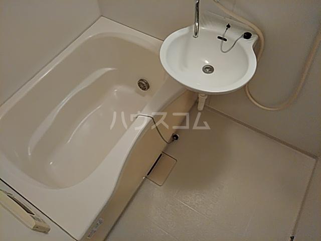 トリコロール・ピエテ 207号室の風呂
