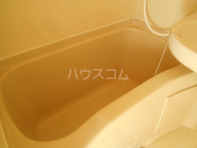 メゾンド・エメラルド 107号室の風呂