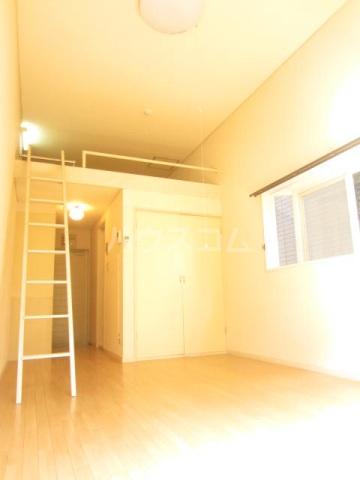 メゾン上福岡 203号室のリビング