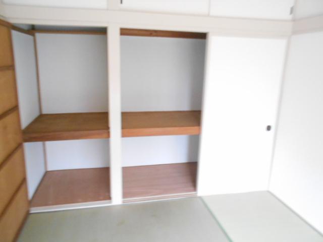 持田貸家10号棟の収納