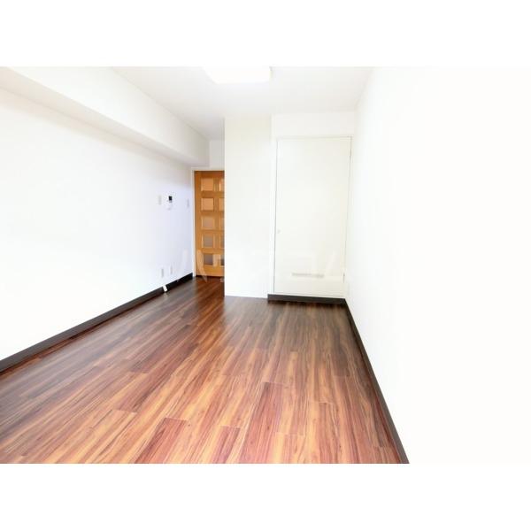 ライオンズマンション聖蹟桜ヶ丘第3 101号室のリビング