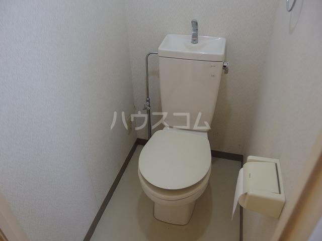 ヴィラ・フェレイロ 301号室のトイレ