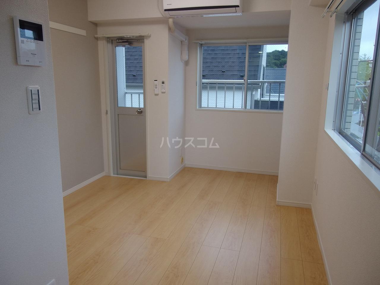 永山CSビル 301号室のリビング