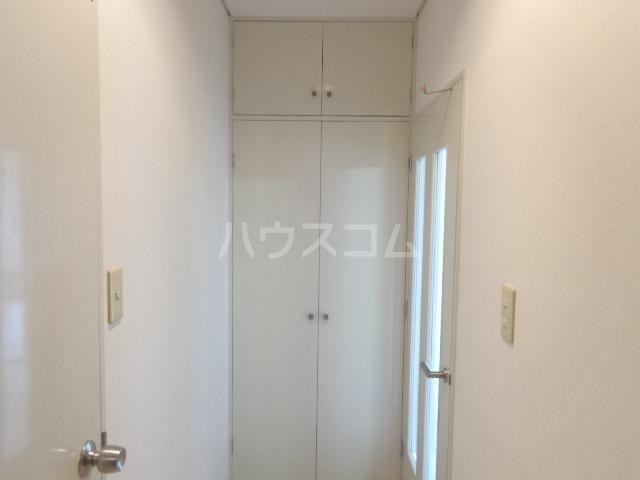 サンセヴィラージュ 305号室の収納
