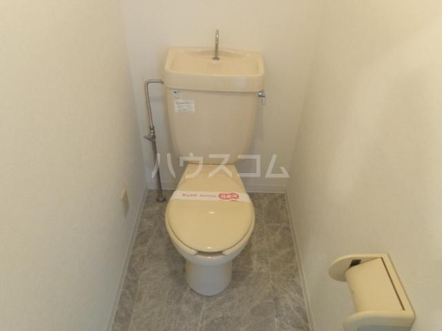 サンセヴィラージュ 305号室のトイレ