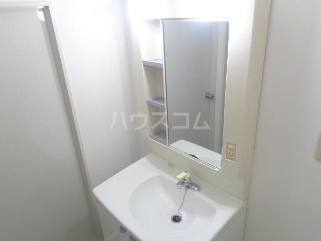 サンセヴィラージュ 305号室の洗面所