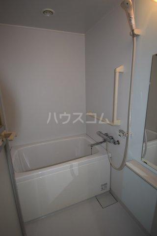 第5ヒバリハイツ 102号室の風呂