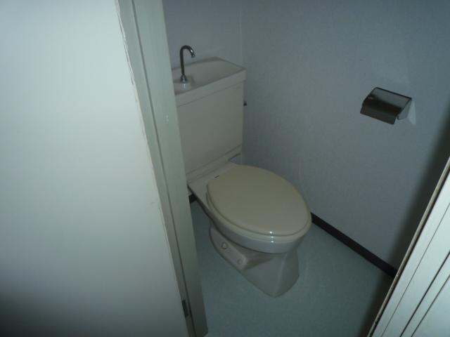 サンライン岐阜コーポ 402号室のトイレ