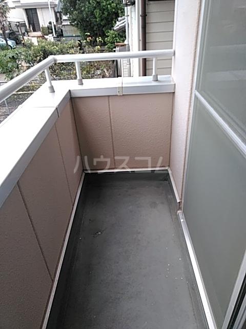 ヴィラコンテッサ原 205号室のバルコニー