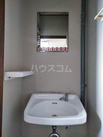 纐纈ビル 302号室の洗面所