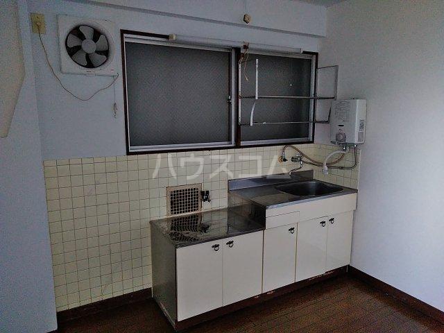 浅野ビル 301号室のキッチン
